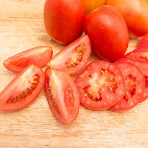 10 Resep Masker Tomat Alami Yang Bisa Kamu Buat Sendiri Di Rumah Untuk Menjaga Kecantikan Kulitmu