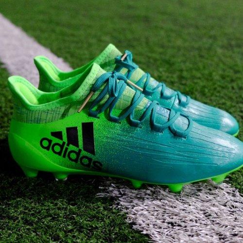 10 Sepatu Bola Adidas Terbaru Dan Paling Keren Tahun Ini Jangan