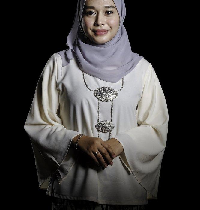 Tampil Cantik Di Hari Wisudamu Dengan Baju Wisuda Syar I Ini