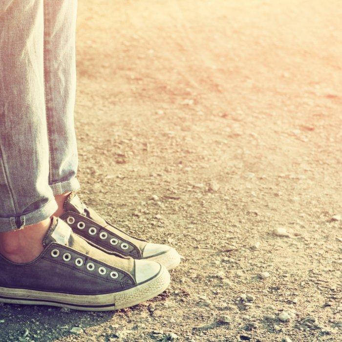 Cara Memilih Sepatu Converse All Star yang Asli dan 10 Pilihan Model  Terbaru untuk Kamu! 47c7aa1018
