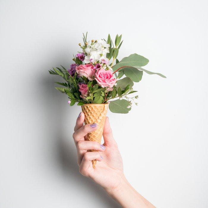 Percantik Ruanganmu Dengan 10 Rekomendasi Hiasan Bunga Plastik Yang Awet Dan Tetap Menawan 2019