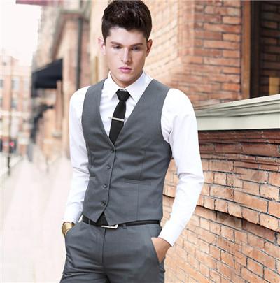 Tampil Lebih Fashionable  Cobalah 11 Rekomendasi Rompi Pria Ini agar ... 888bababc5