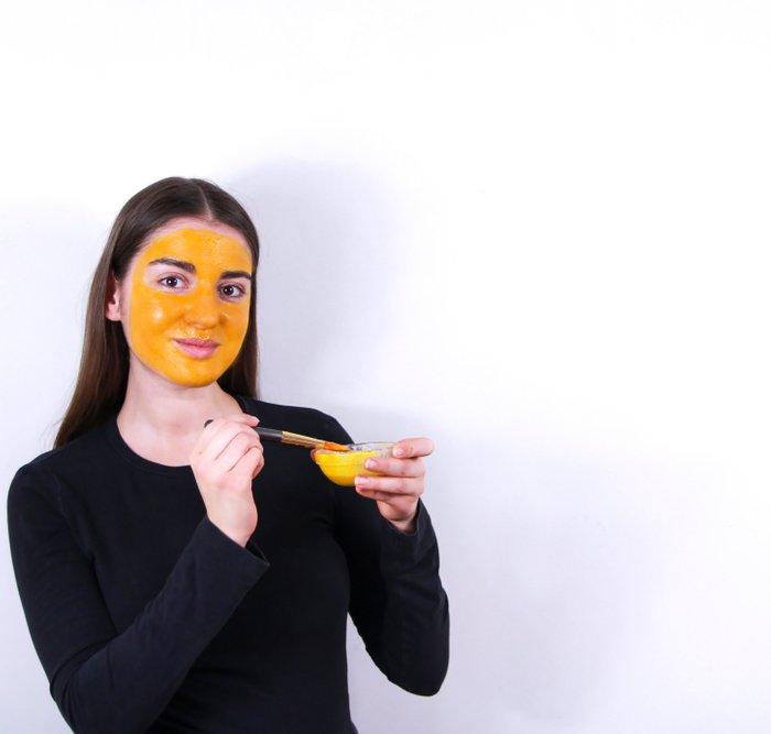 Tampil Makin Ayu Dengan 10 Resep Masker Kunyit Yang Bikin Kulit Semakin Halus 2020