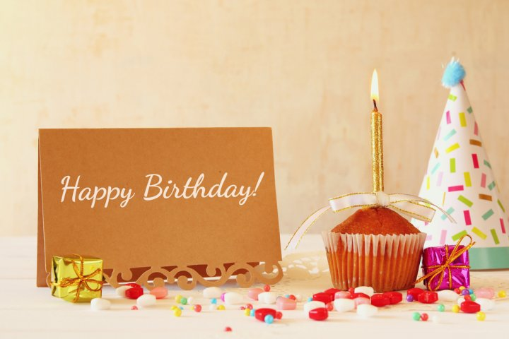 社会人の男友達が喜ぶ誕生日のメッセージ特集!便利な文例や書き方のポイントも解説!