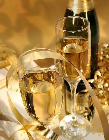 結婚祝いに人気のお酒ランキング2018!名入れワインや高級シャンパンなどがプレゼントにおすすめ!