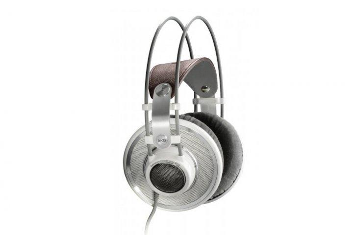上品なデザインと高音質を両立したヘッドホン AKG「K701-Y3」の開発秘話を公開|ヒビノ株式会社
