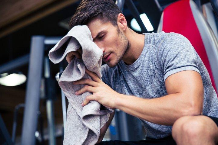 彼氏など男性が喜ぶスポーツタオル人気ブランドランキングTOP10!プレゼントにもおすすめ
