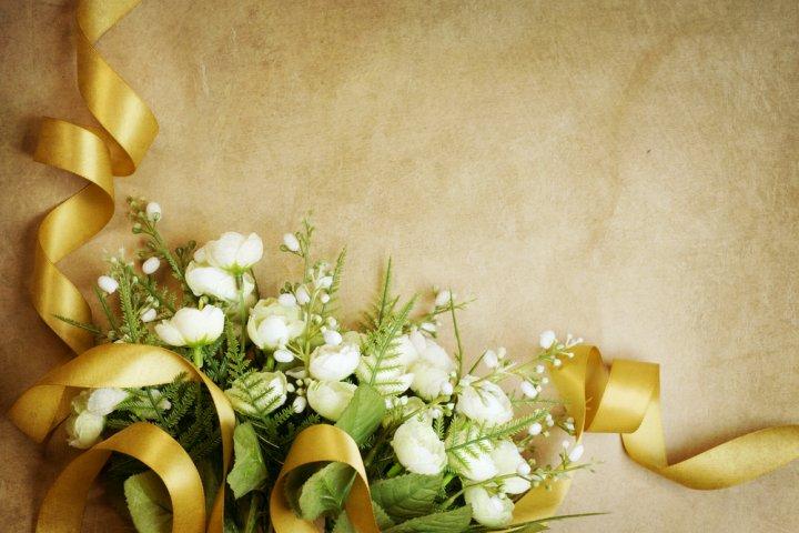 結婚50年目の金婚式に人気の結婚記念日プレゼントランキング2019!花やペアグッズなどのおすすめを紹介
