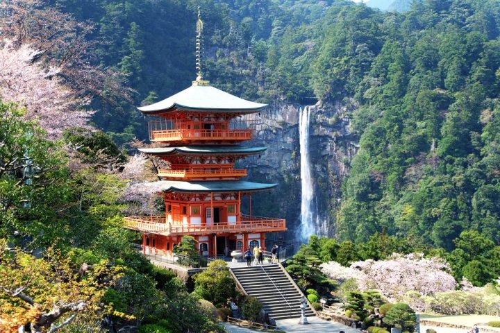 結婚記念日に人気の和歌山の温泉2021!おすすめの温泉宿を厳選紹介!