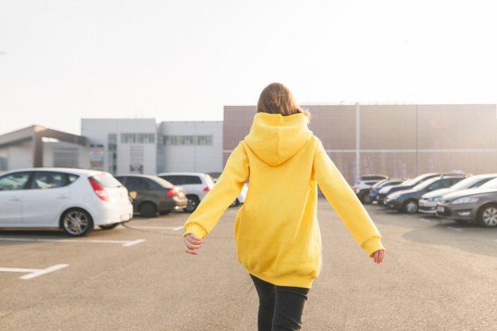 女子高校生におすすめのレディースパーカー 人気ブランドランキング20選【2020年版】