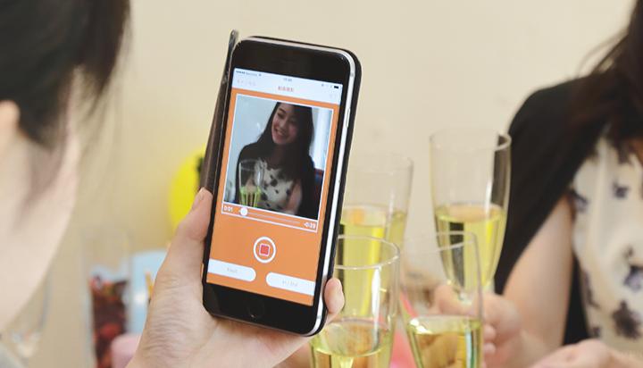 メッセージカードや色紙に動画をつけて贈れる「moovinカード」の開発秘話を大特集|UXENT株式会社