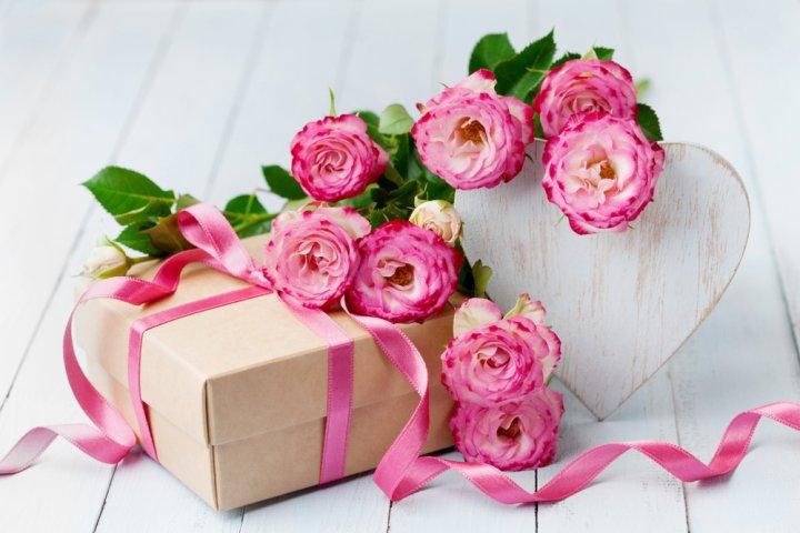 女性が喜ぶ誕生日プレゼントアイデア40選!絶対に喜ばれるのはこれ!