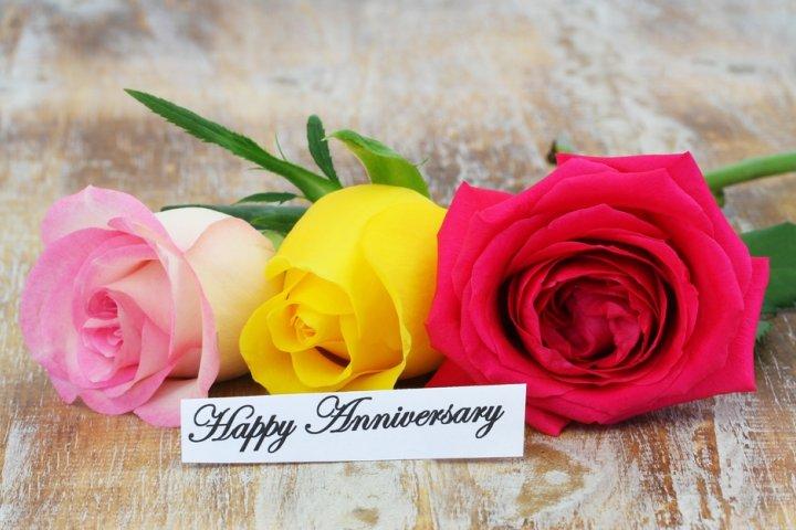 結婚3年目の革婚式に人気の結婚記念日プレゼントランキング2019!レザーアクセサリーなどのおすすめを紹介