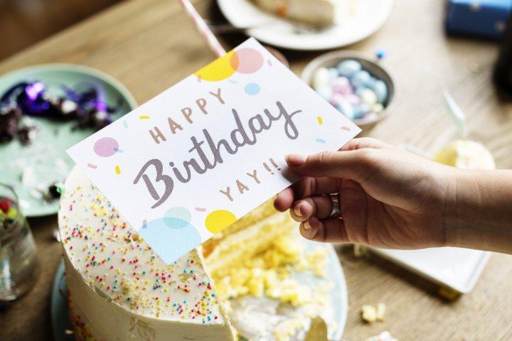 男子大学生に喜ばれる誕生日メッセージ特集!書き方のポイントや文例を徹底解説!