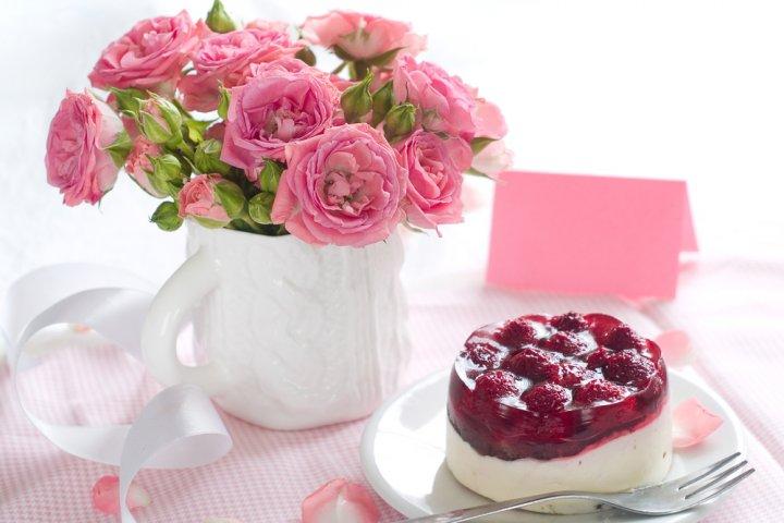 美味しいお菓子付きフラワーギフトセット2021!母の日には洋菓子や和菓子のコラボが大人気!