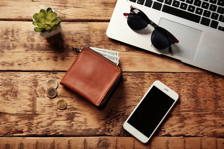 20代男性におすすめの革・レザー製メンズ財布 人気ブランドランキング35選【2020年版】