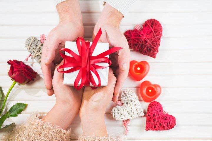 予算5千円で選ぶ彼氏や旦那に人気の誕生日プレゼントランキング2021!お酒や傘などが男性におすすめ!