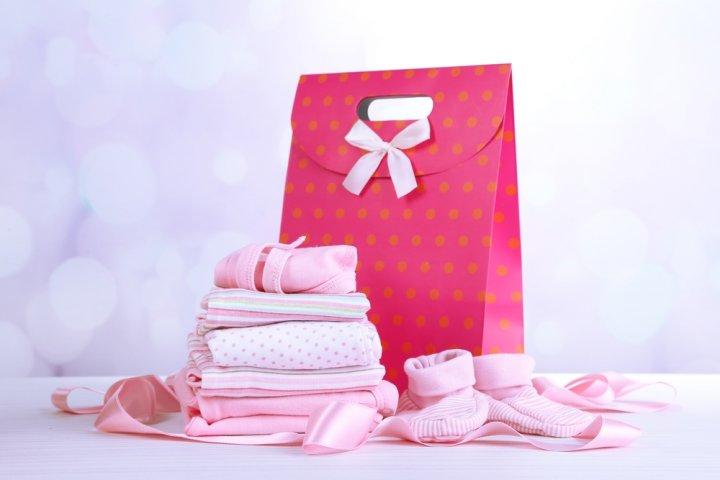 予算5000円で選ぶ出産祝いプレゼント 人気のランキング2019!ベビー服やギフトセットなどのおすすめを紹介