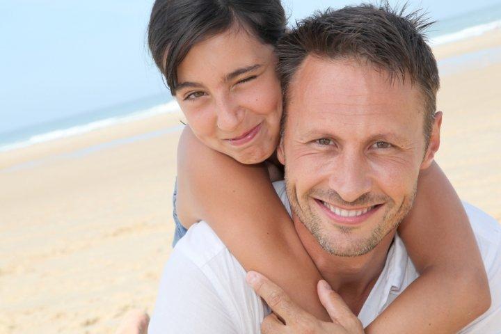40代の父親に喜ばれる誕生日プレゼント10選!人気ランキングやメッセージ文例も徹底紹介