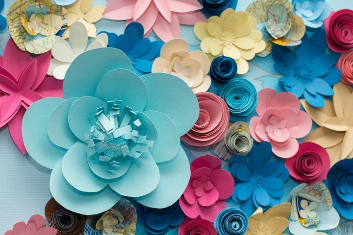 結婚1年目の紙婚式に喜ばれる結婚記念日プレゼントランキング2020!本や花などのおすすめを紹介