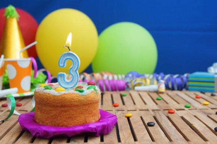 3歳の誕生日に喜ばれるプレゼントランキング2020!ままごとや知育玩具などのおすすめを紹介