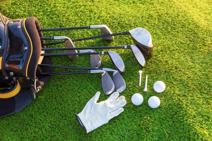 父の日のプレゼントにゴルフグッズがおすすめ!名入れできるアイテムがお父さんに大好評!