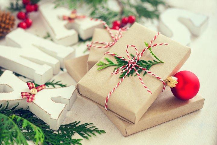 女友達が喜ぶ3000円のクリスマスプレゼントランキング2019!ポーチやマグボトルなどが大人気