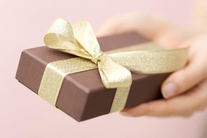 知っててよかった!上司への誕生日プレゼント選びのマナーとアイデア25選