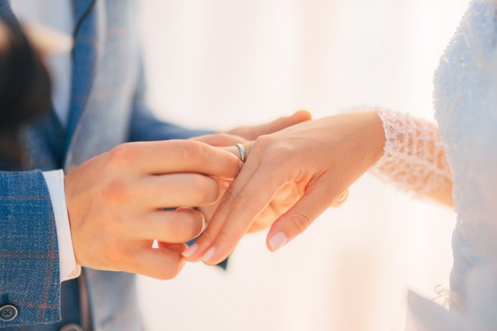 人気のブランド結婚指輪ランキング2019!ティファニーやカルティエなどのおすすめプレゼントを紹介
