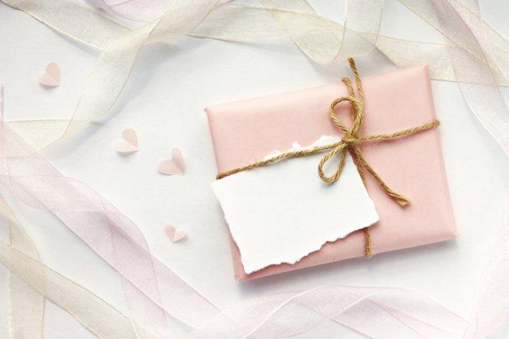 """母・義母が喜ぶ感動の""""誕生日メッセージ""""を!役立つ文例や書き方のポイントを解説!"""