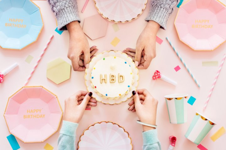 女子高校生の本音!もらって嬉しい誕生日プレゼントアイデア集!