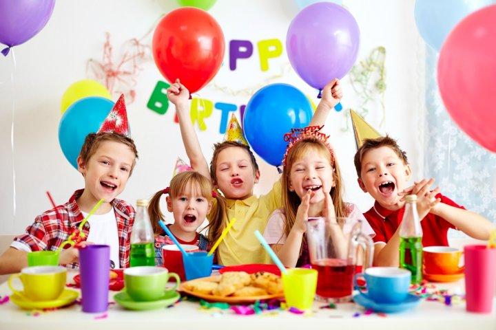 9歳・小学3年生の男の子に人気の誕生日プレゼントランキング2019!ゲームや乗り物などのおすすめを紹介