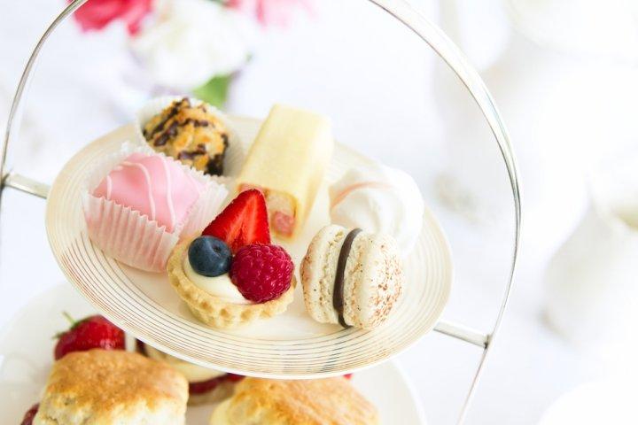 彼女や妻に人気の高級菓子ブランドランキングTOP10!帝国ホテルなどおしゃれな女性の誕生日プレゼント特集