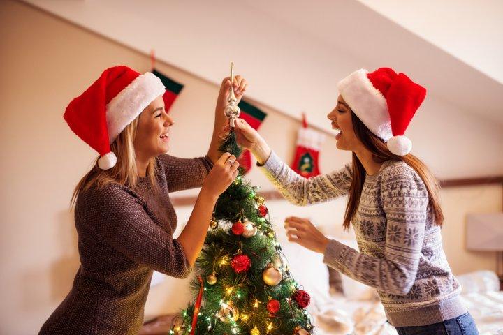 高校生の女友達に人気のクリスマスプレゼント特集!予算相場や喜ばれるメッセージ文例も紹介!