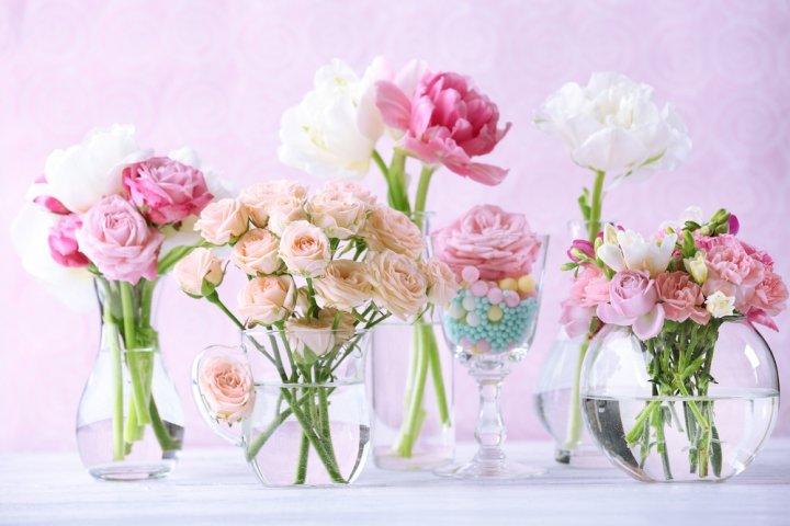 誕生日に贈るプリザーブドフラワードーム12選!可愛いバラなどおすすめギフトをご紹介!