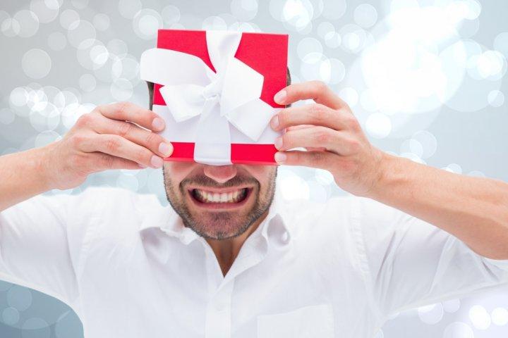 20代・30代・40代の社会人の男友達に人気のクリスマスプレゼントランキング2019!予算相場や喜ばれるメッセージ文例も紹介