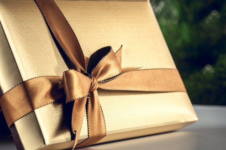 5000円で男友達に喜ばれる人気のクリスマスプレゼントランキング2019!ネクタイやペンケースなどをご紹介