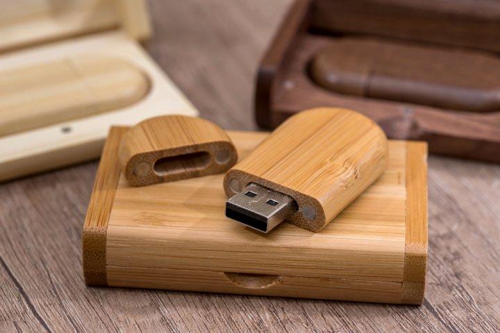おすすめの名入れUSBメモリ12選!ギフトには男性・女性ともにおしゃれな木製タイプが人気!