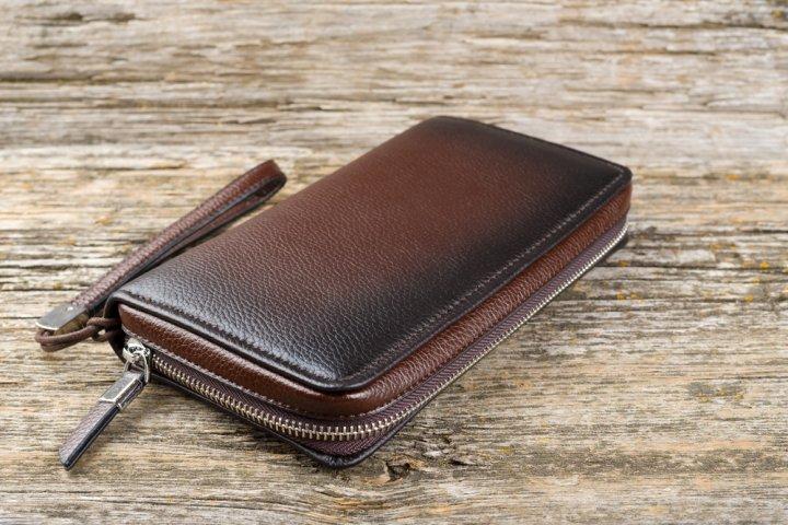 743d9df19ba6 男性に人気のメンズラウンドファスナー財布 ブランドランキングTOP11【2019年最新版