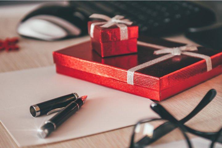 彼氏が喜ぶ小物のおすすめクリスマスプレゼント&人気ブランドランキング2018