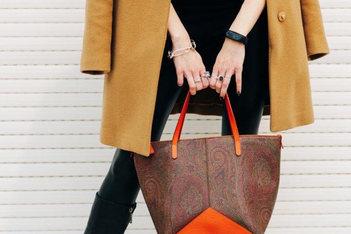 女性が喜ぶ軽量トートバッグ特集!人気ブランドや大容量、革製がプレゼントにおすすめ!