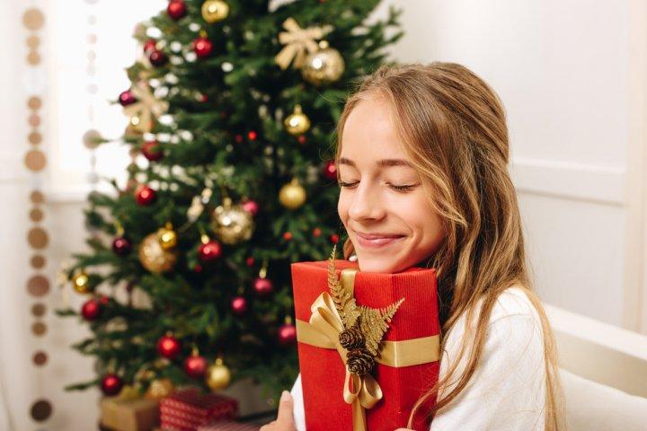 中学生の女の子に贈る人気のクリスマスプレゼント20選!女子に喜ばれるおすすめギフトをご紹介【2020年最新】