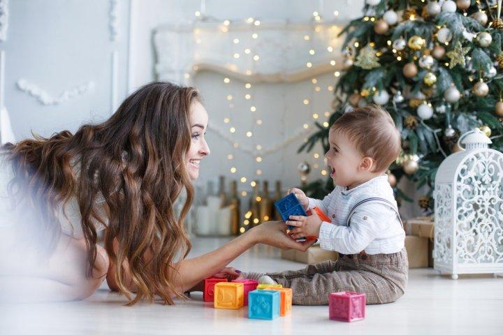 1歳の男の子に人気のクリスマスプレゼントランキング32選!乗用玩具や知育玩具などのおすすめをご紹介【2020年最新】