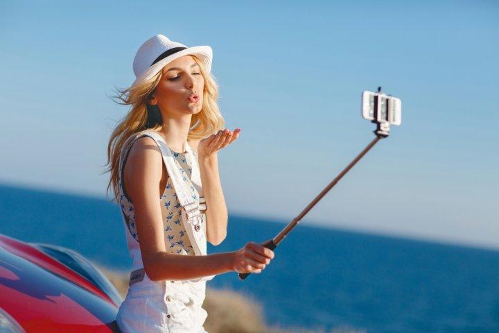 人気のブランドスマホ自撮り棒ランキング2021!厳選9アイテムを大公開