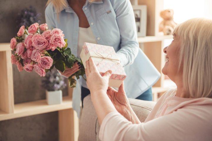 母親へのプレゼントにおすすめのレディース財布 人気ブランドランキング26選【2020年版】