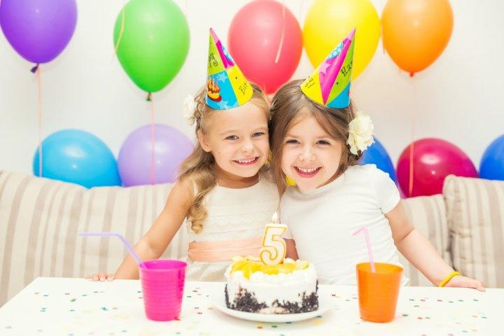 5歳の女の子に喜ばれる誕生日プレゼント 人気&おすすめランキングTOP10!予算、メッセージ文例も紹介