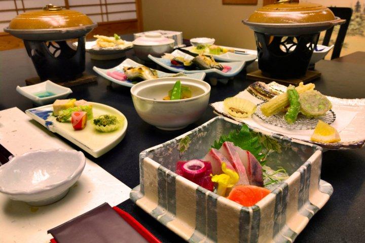 福島で泊まるならこの温泉宿へ!結婚記念日にはアニバーサリープランも人気!