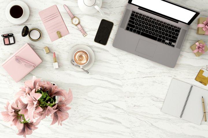 仕事を頑張る女性へ!ビジネス小物の誕生日プレゼントアイデア20選