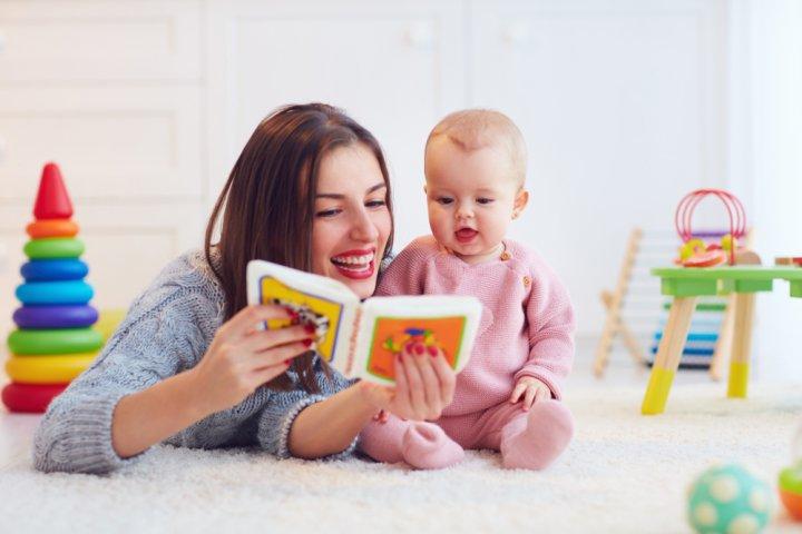 出産祝いに人気の音の出る絵本12選!楽しく学べる英語のうた絵本が好評!