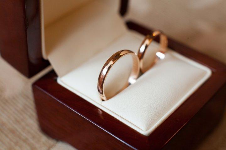 結婚記念日プレゼントに人気のブランドペアリングランキング2020!ティファニーなどのおすすめを紹介